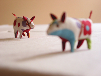 Two_little_piggies
